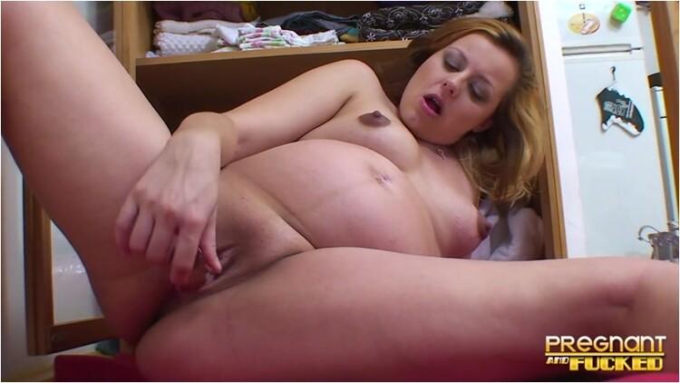 [Image: Pregnant-_loves_her_toy_069204aba7._3_.001_l.jpg]
