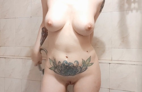 [Image: Voyeur-Hot-Girl-Shower-Spycam--2.mp4_sna...4.47_m.jpg]