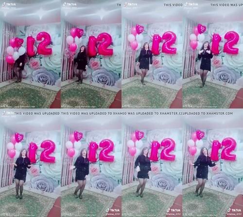 [Image: 0113_TTnN_Aze_Tiktok_Erotic_Video_Girl_Nylon_Feet_m.jpg]