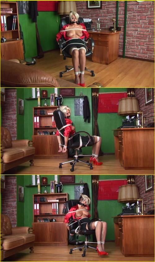 Girls-bondage_e307_cover_m.jpg