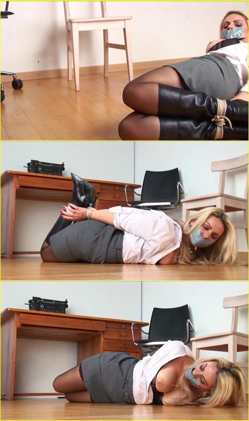 Girls-bondage_e308_cover_m.jpg