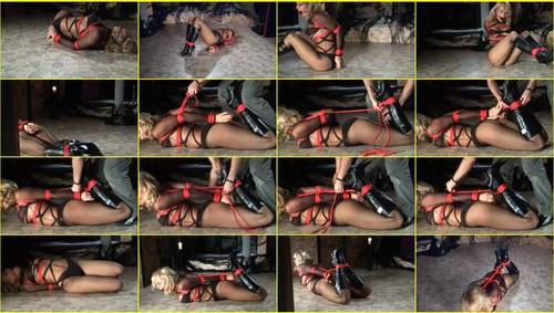 Girls-bondage_e310_thumb_m.jpg