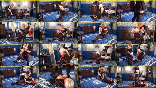 Girls-bondage_e311_thumb_m.jpg