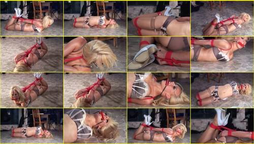 Girls-bondage_e319_thumb_m.jpg