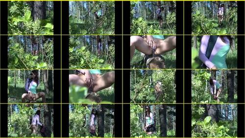 Pee-girl_f271_thumb_m.jpg