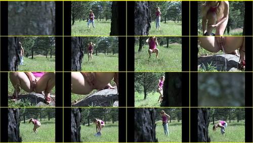 Pee-girl_f272_thumb_m.jpg