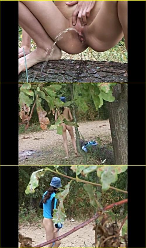 Pee-girl_f285_cover_m.jpg
