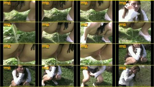 Candid-Girls-outdoor_f260_thumb_m.jpg