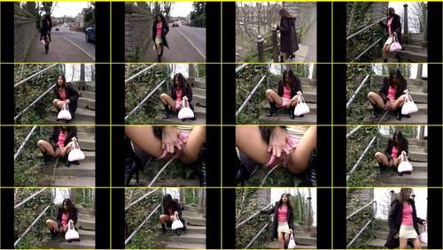 Candid-Girls-outdoor_f263_thumb_m.jpg
