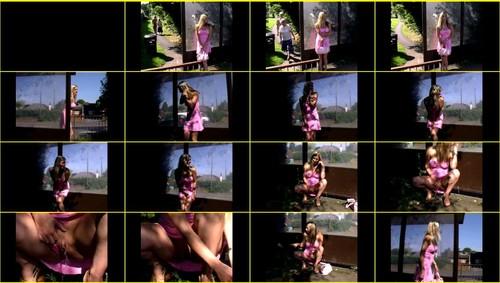 Candid-Girls-outdoor_f249_thumb_m.jpg