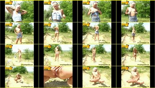 Candid-Girls-outdoor_f266_thumb_m.jpg