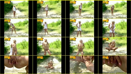 Candid-Girls-outdoor_f267_thumb_m.jpg