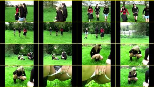 Candid-Girls-outdoor_f329_thumb_m.jpg