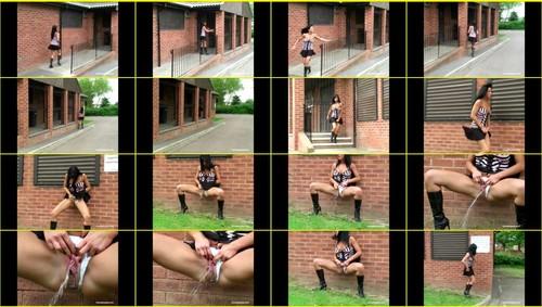 Candid-Girls-outdoor_f341_thumb_m.jpg