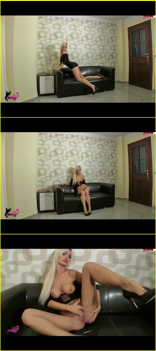 Amy-Stars_f252_cover_m.jpg