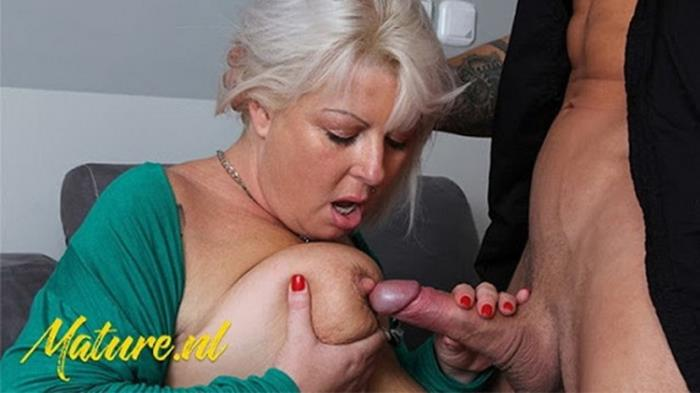 Unknown - Kinky Big Tits MILF Cheats on Husband (2021 MilfCurves.com) [FullHD   1080p  502.09 Mb]