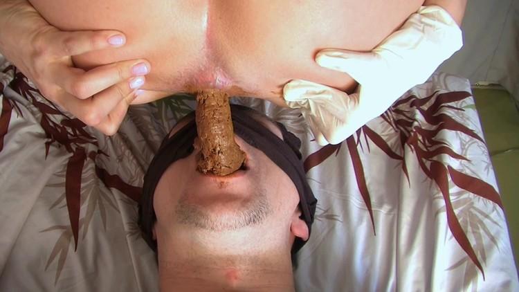 dina18 - New!Princess Grace and Mia Toilet-Slave Scat Smearing Lick Ass Face sitting