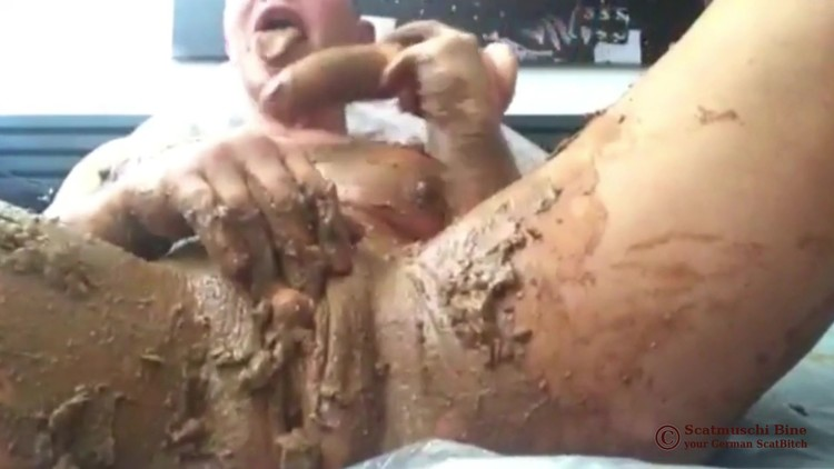 Scatmuschi BINE - Cunt and asshole fucked with shit