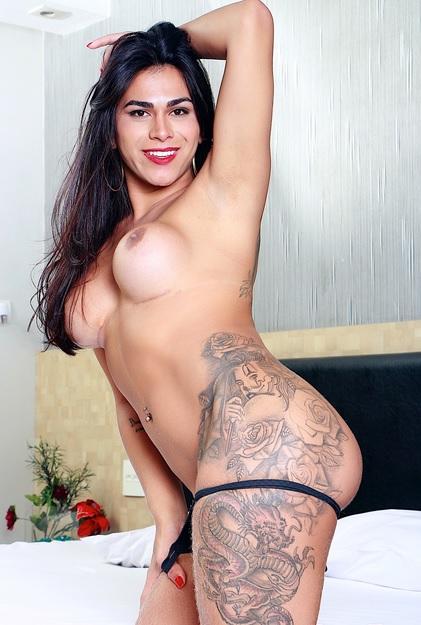 Luana Enjoys a Dick In Her Ass