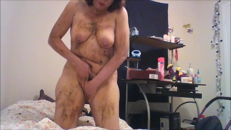 goddessemmalove - Polka Dot Apron And Pulling Out Some Poop From My Butt