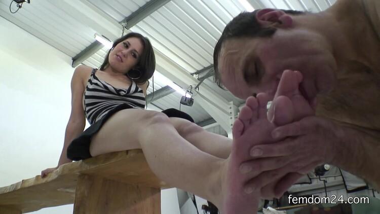 DPproductions - Princess Jess West Piss Feet