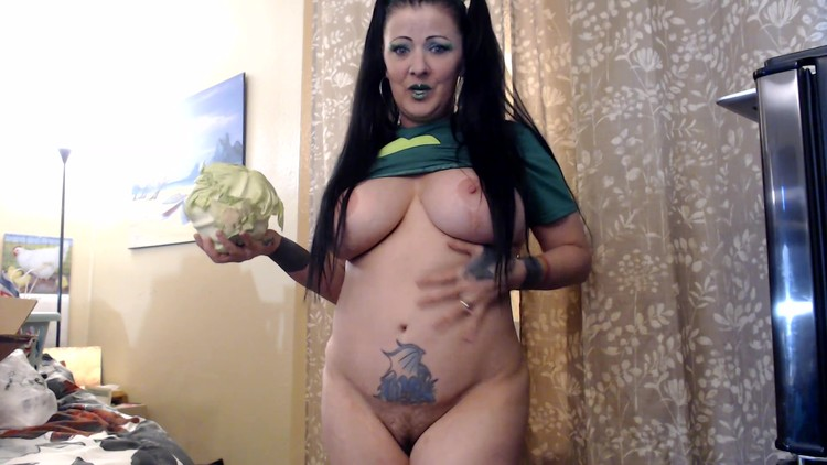 efrolesbians - St. Patrick's Day Made My Way For You My Favorite Shit Slave