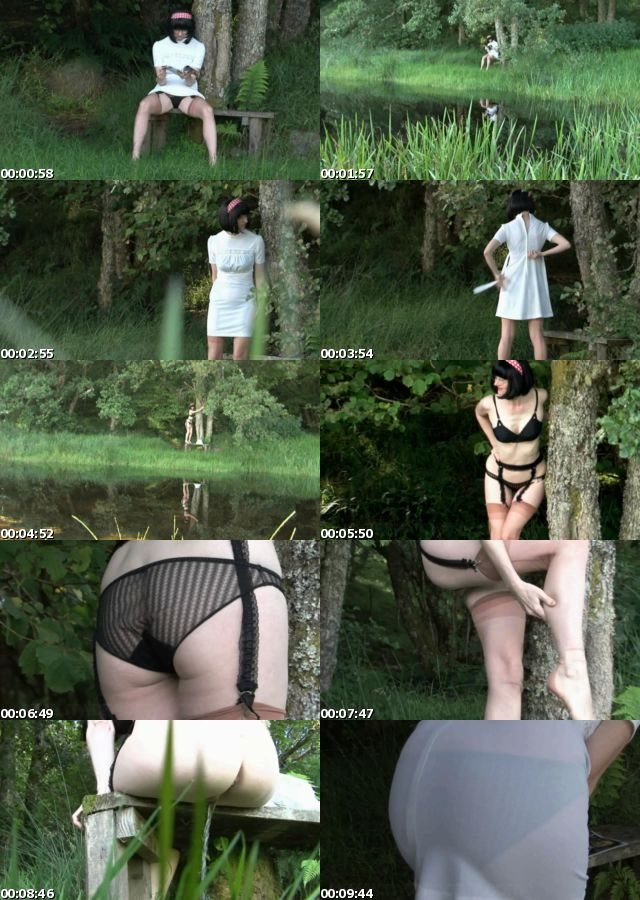 public_panties_stockinggirl_julia_large_s.jpg