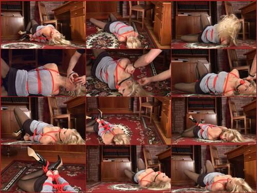 bound-girls_076_thumb_m.jpg